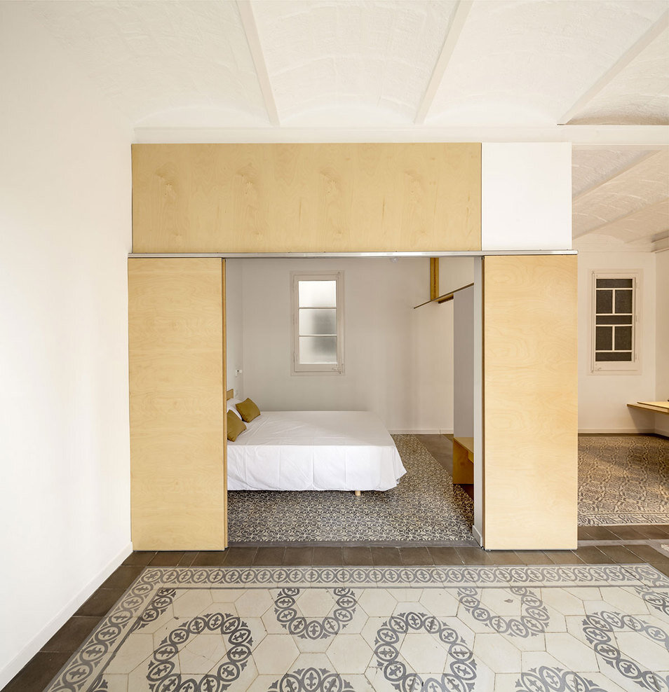 bedroom, Spanish architect Adrian Elizalde - HomeWorldDesign (8)