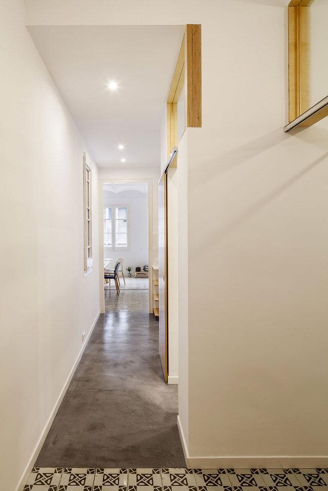 Apartment Eixample renovated by the Spanish architect Adrian Elizalde - HomeWorldDesign (9)