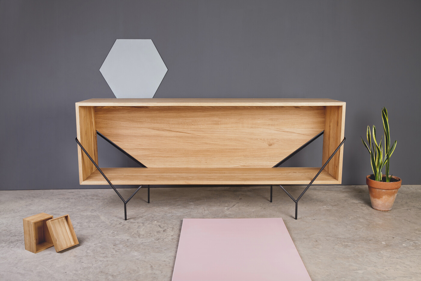 Collection Y by Kutarq Studio: geometric shapes and metal-wood combination