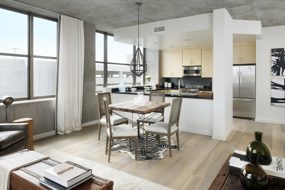 The Bond eclectic mix of modern and vintage - Parisa O'Connell - HomeWorldDesign (2)