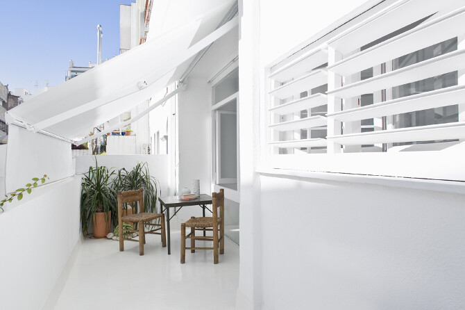 Studio CaSA Proposes White Everywhere – The White Retreat, Sitges, Spain