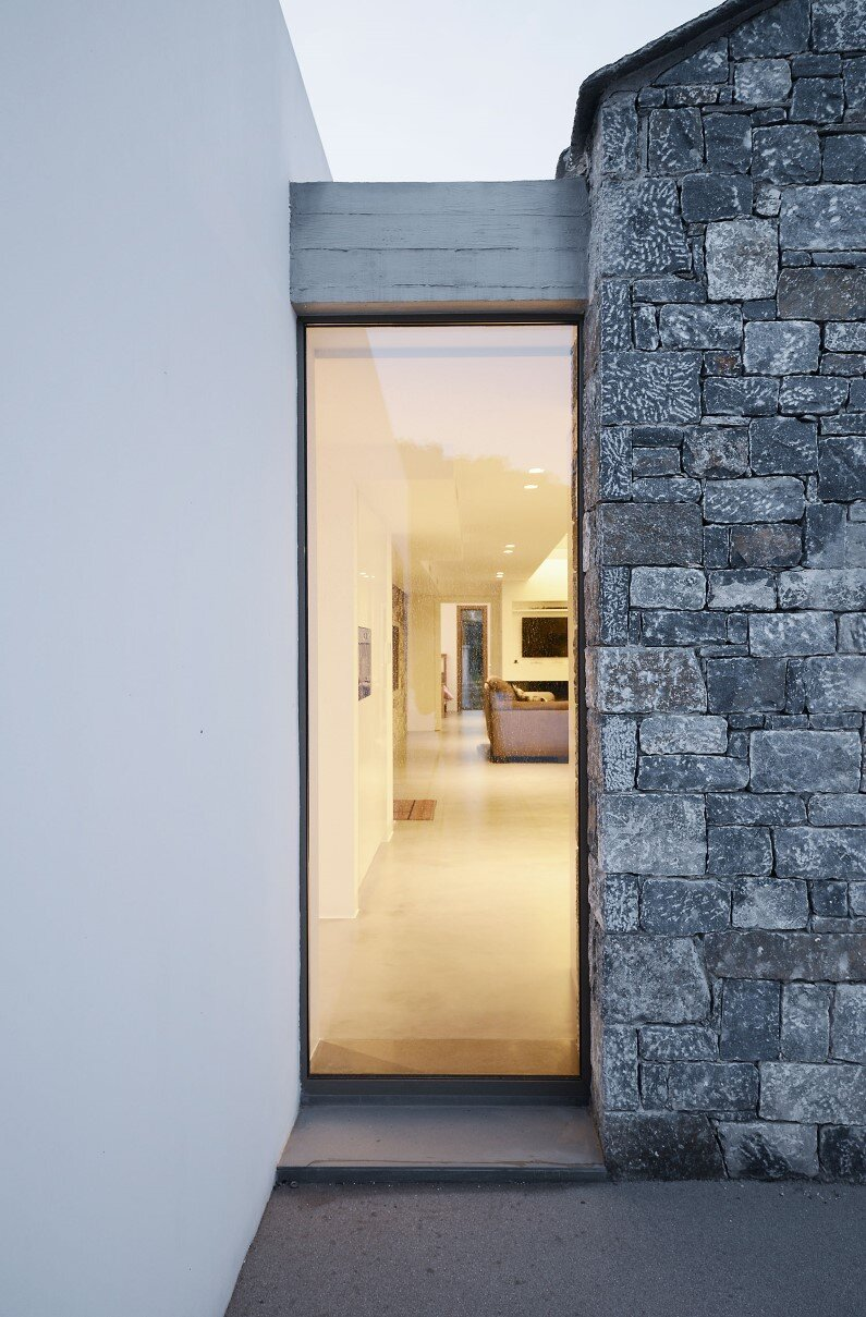 Melana House, by Studio 2Pi Architecture and architect Valia Foufa