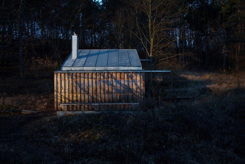 Recreation place in the woods Tom's Hut by Raumhochrosen