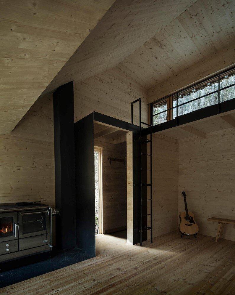 Retreat in the woods Tom's Hut - architect Heike Schlauch