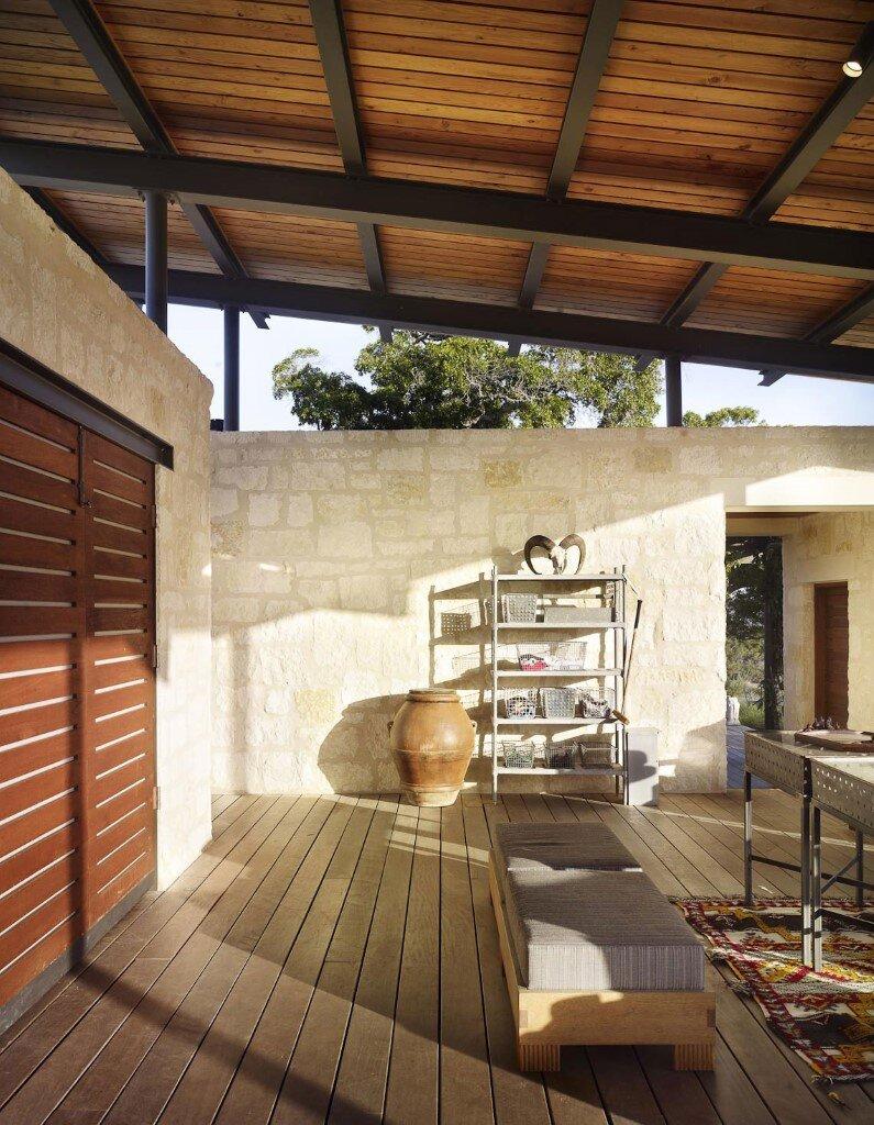 Story Pole House designed - Lake Flato Architects