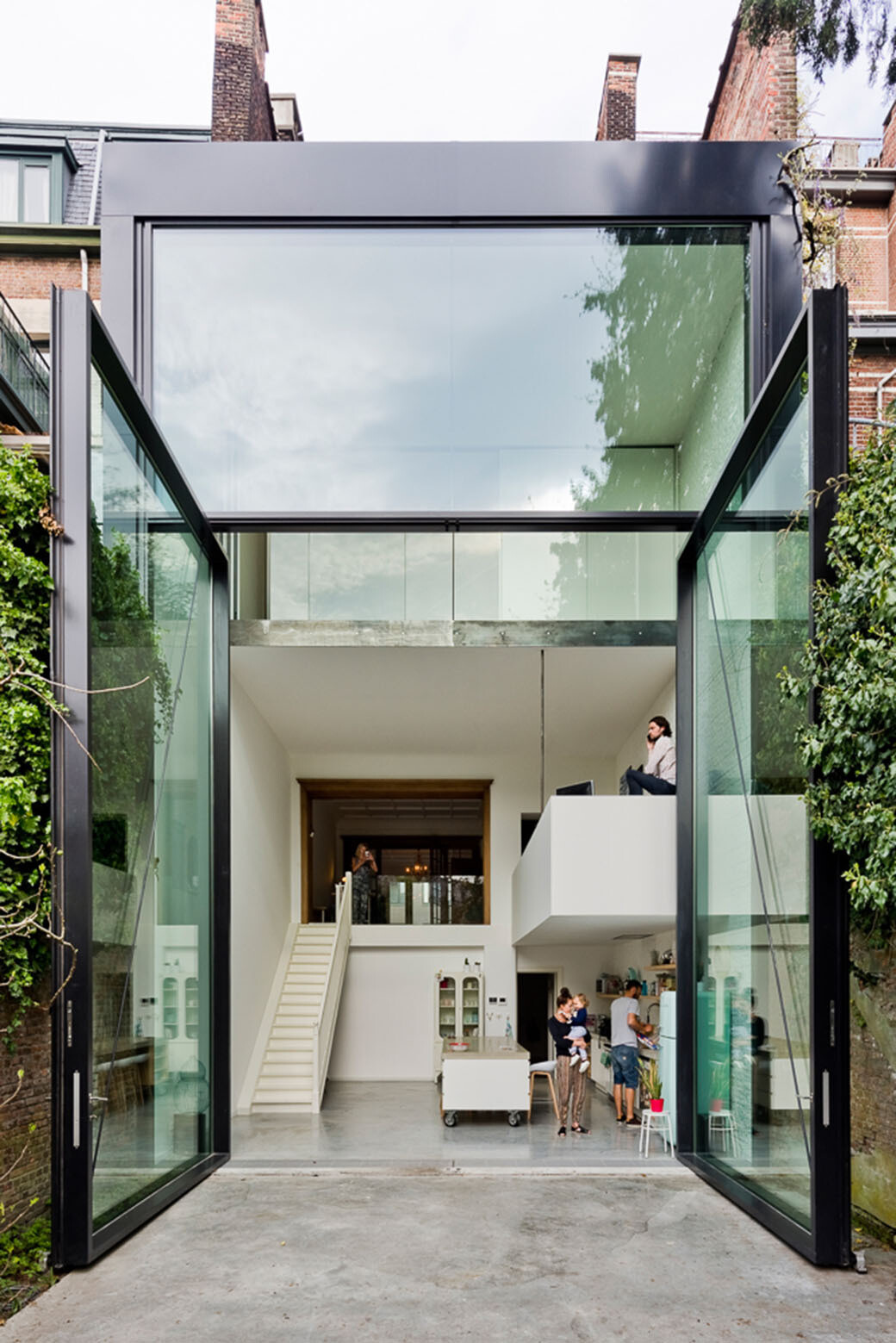 Town House -Designed and renovated by Antwerp-based Sculpt IT Architecten