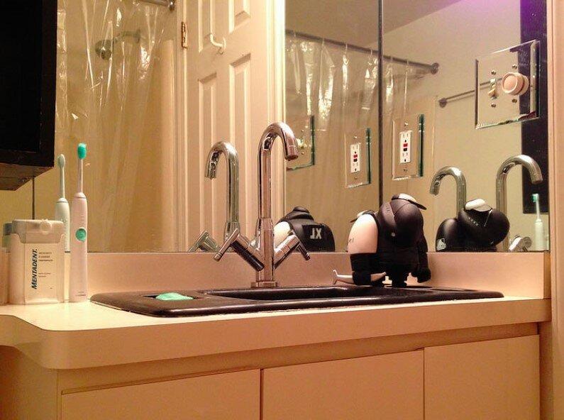 bathroom design in Baltimore apartment