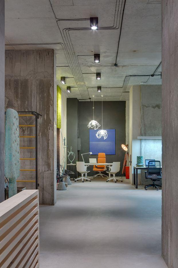 Dizaap office bright loft space with eclectic interior design (13)