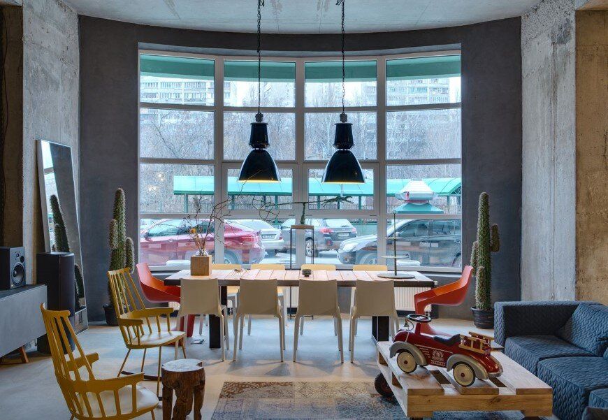 Dizaap office bright loft space with eclectic interior design (14)