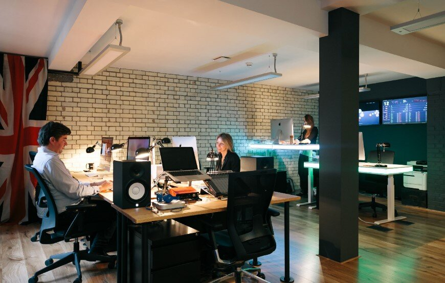 New coworking offices WeWork in London - by Oktra (11)