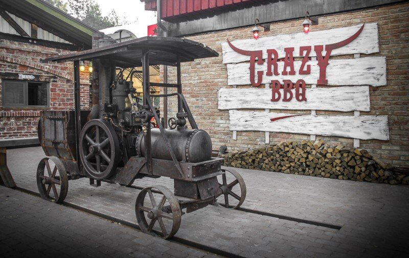 Crazy BBQ – original country complex with industrial-vintage style