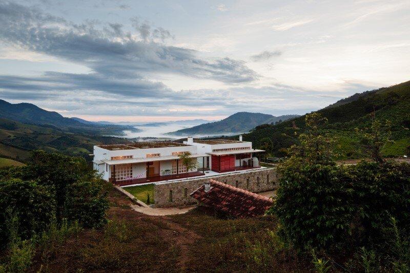 Dom Viçoso House by Brasil Arquitectura