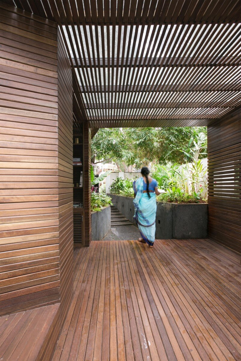 Garden pavilion for reading and relaxation in nature 4