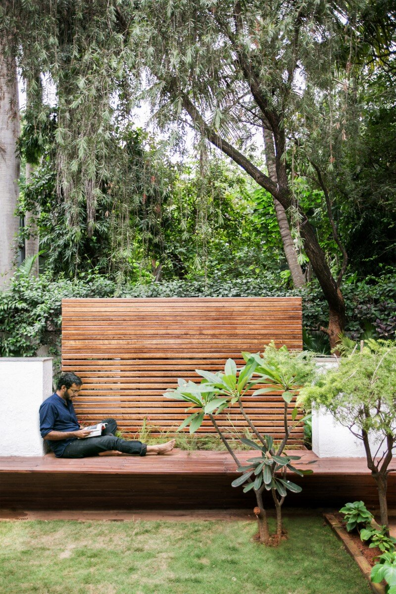 Garden Folly for reading and relaxation in nature