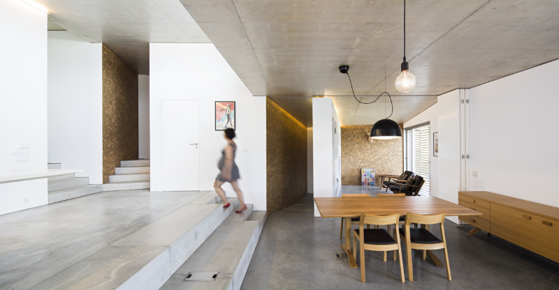 Gateira concrete house designed in harmony with dramatic landscape (11)