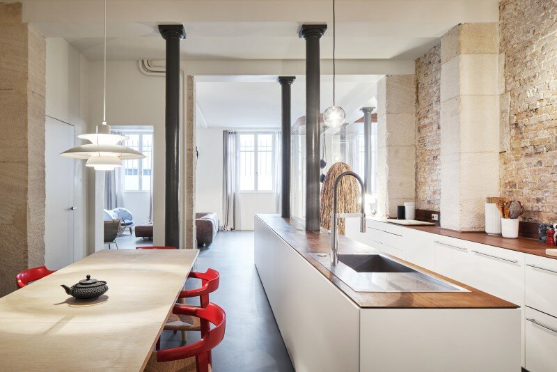 Parisian Loft with a gorgeous interior design customized with walnut and glass (11)