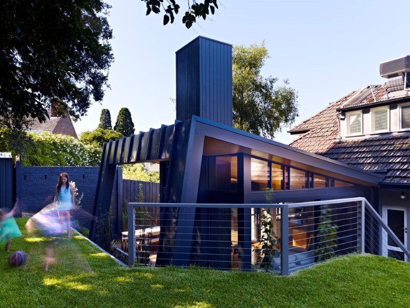 Suburban house extension with environmentally sustainable design (4)