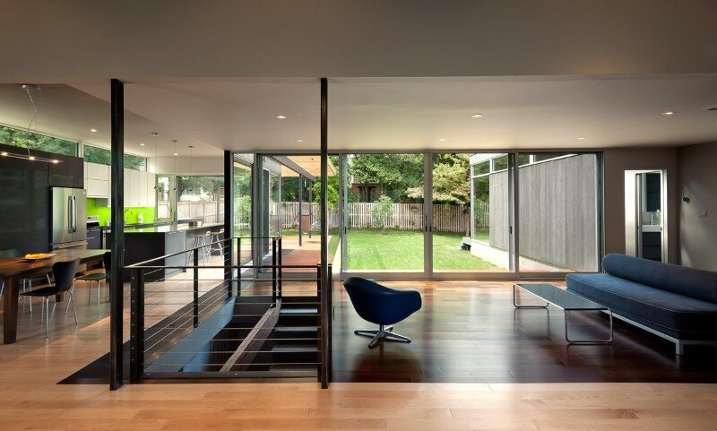 Abierta house - courtyard house with large sliding glass doors (4)