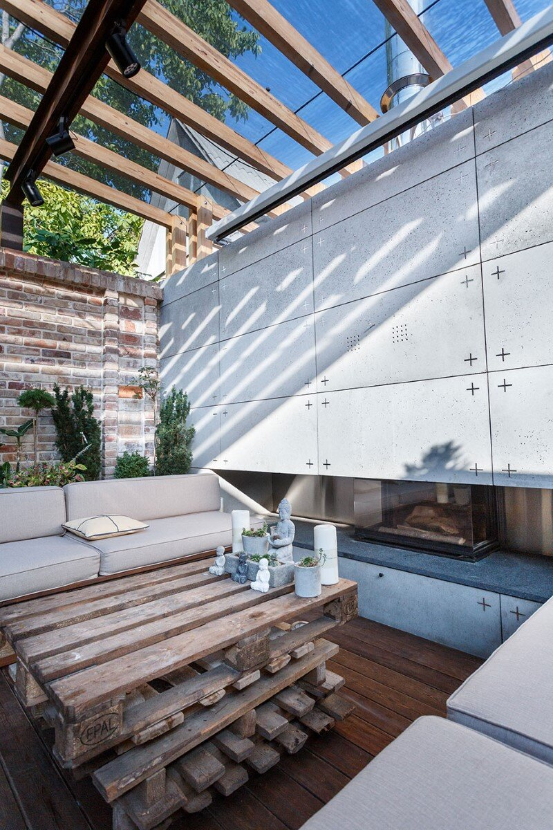multifunctional lounge area - a small oasis in the middle of noisy city (15)