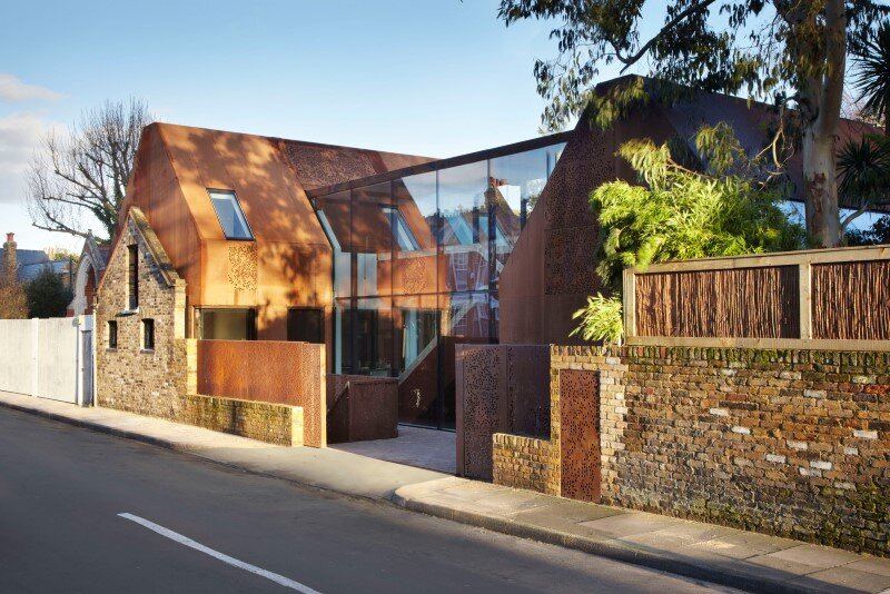 Kew House – family home formed of two sculptural volumes of weathering steel