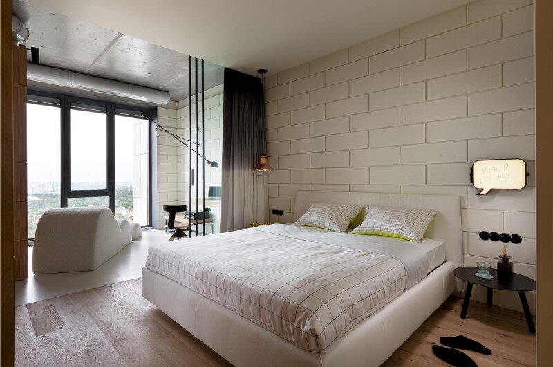 Penthouse with concrete partitions and ceiling and a glass-wall windows (15)