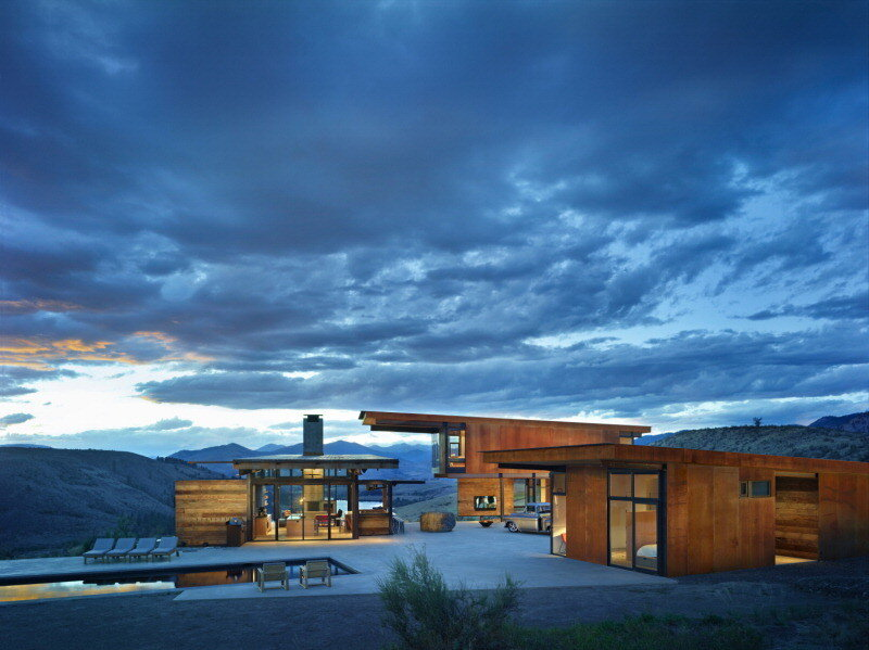 Rural Retreat in Washington: Studhorse Winthrop by Olson Kundig