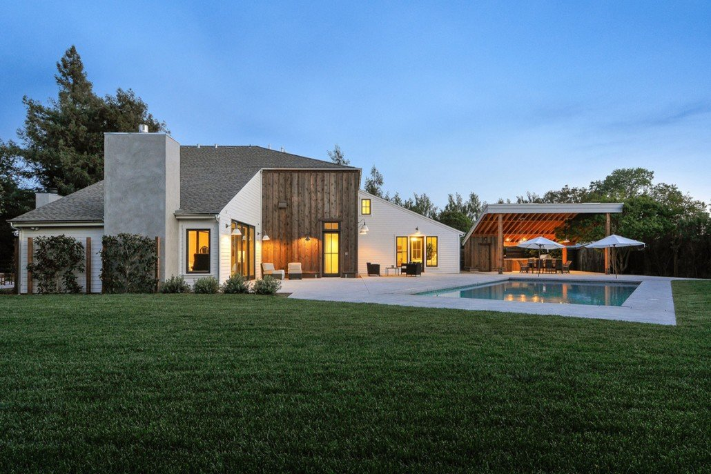 Cordilleras house modern farmhouse in sonoma california for Modern farmhouse architecture