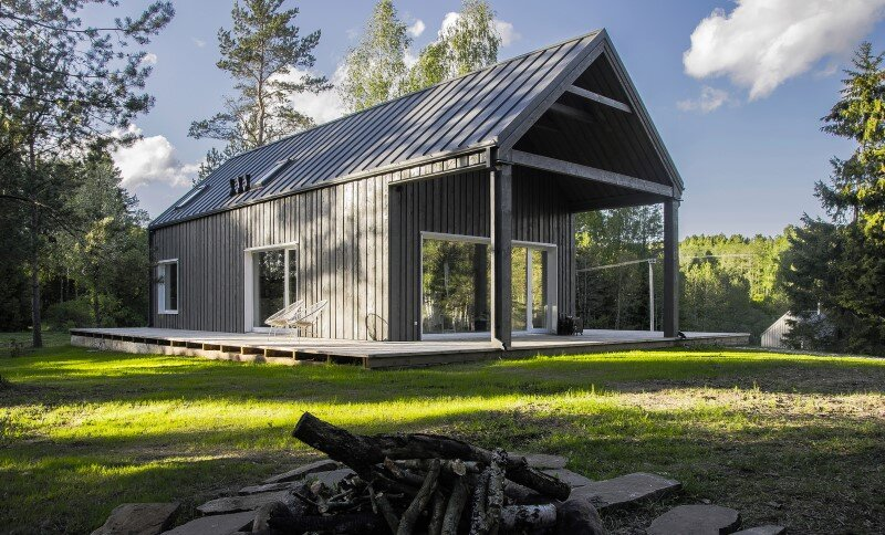Retreat designed for a hunter's family leisure time (16)