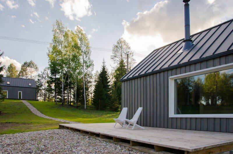 Hunting House designed for a hunter's family leisure time (17)