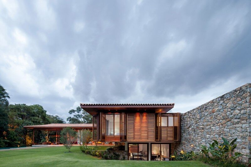 Modern country house with a brazilian farm look for Modern country house