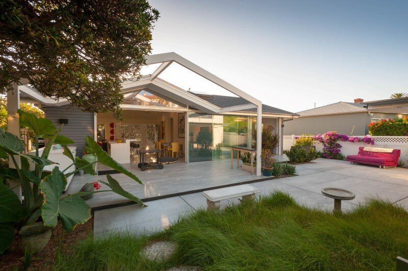 Dolphin Place – Reinterpreting a Midcentury Fisherman's Cottage in Bird Rock