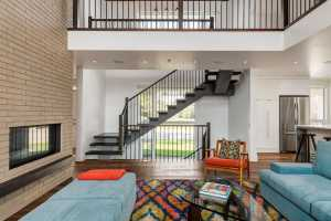 Beautiful 2-Storey Home for a Family of Five, Calgary (11)