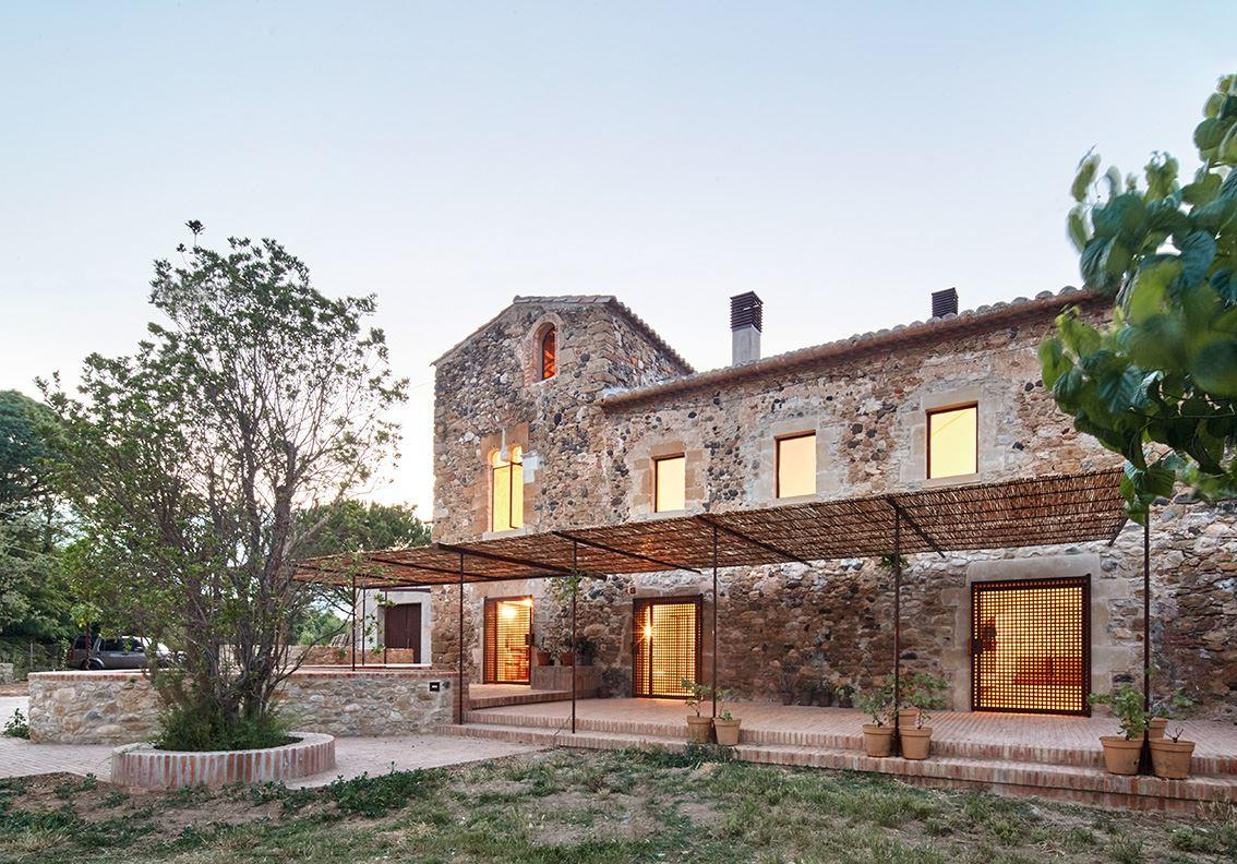 Farmhouse Rehabilitated in Emporda, Spain