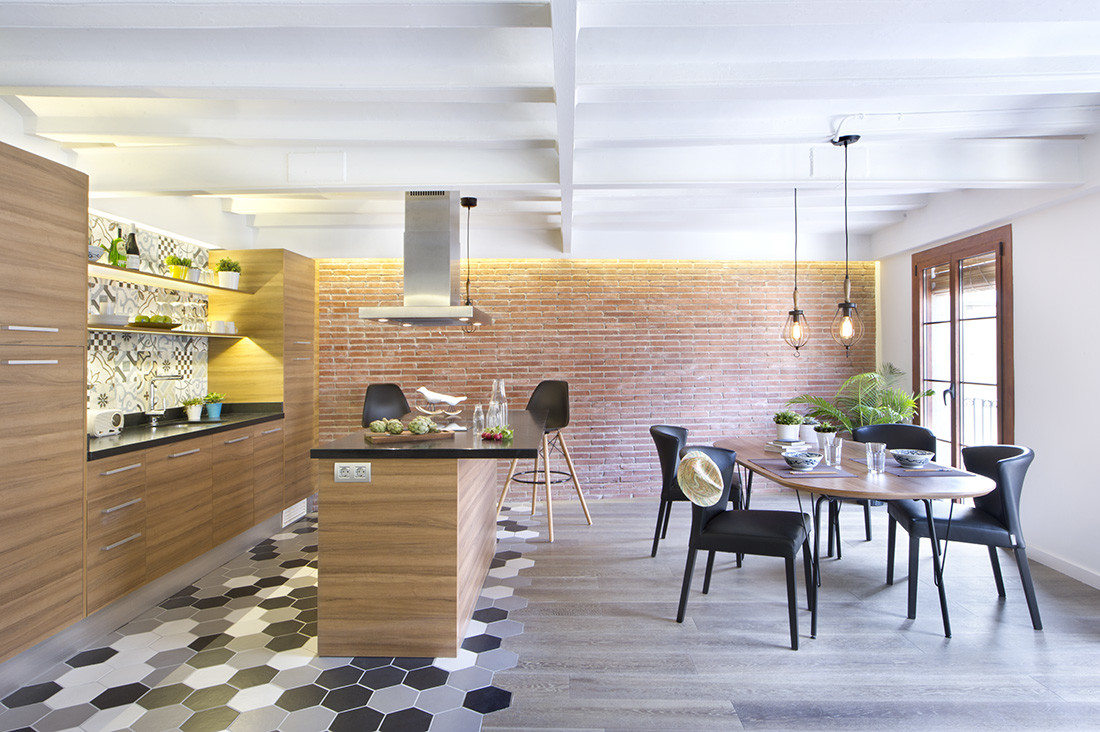 From Seine to the Mediterranean – Barcelona Apartment by Egue y Seta