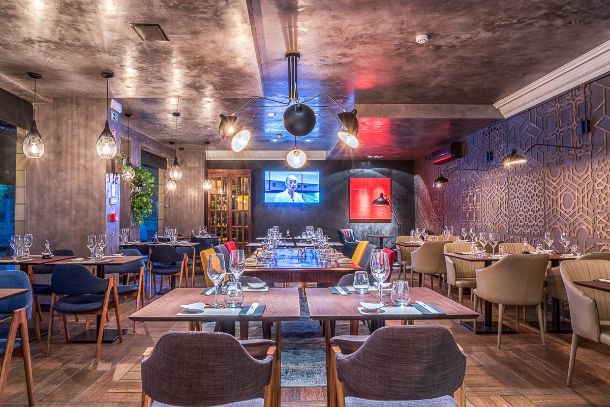 Hanaya Sushi & Gin Bar in Lisbon by Yaroslav Galant