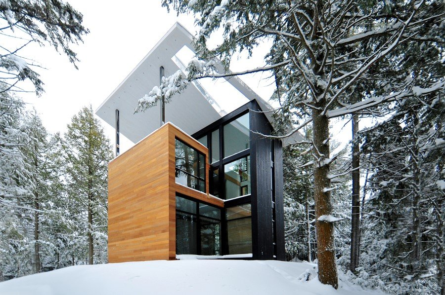 Sculptural House: Collaboration Between an Architect and a Sculptor in Bolton-Est, Québec