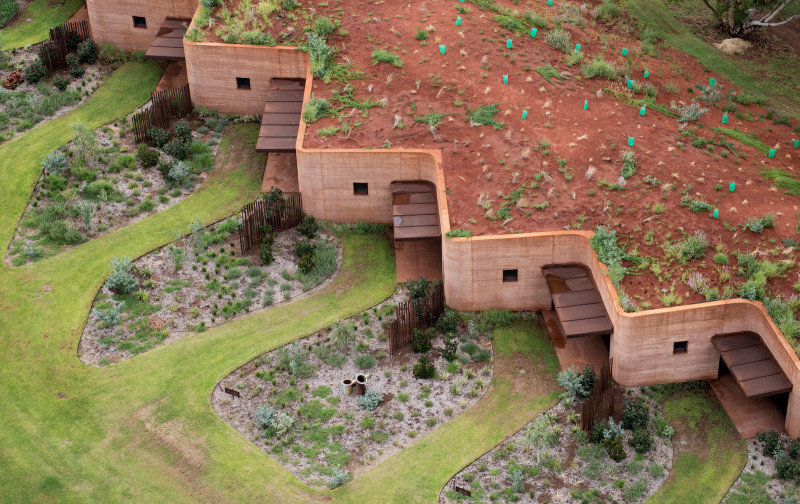 Twelve Earth Covered Residences by Luigi Rosselli Architects