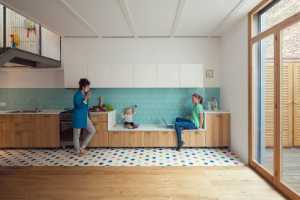 Custom House for the Lifestyle of a Young Couple (10)