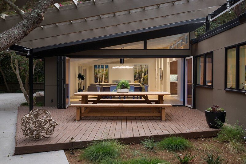 Mid century modern house remodeled for a family of five for Building a mid century modern home