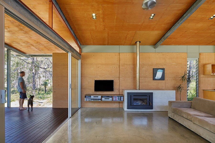 Bush House is Inspired by the Feelings of Camping (16)