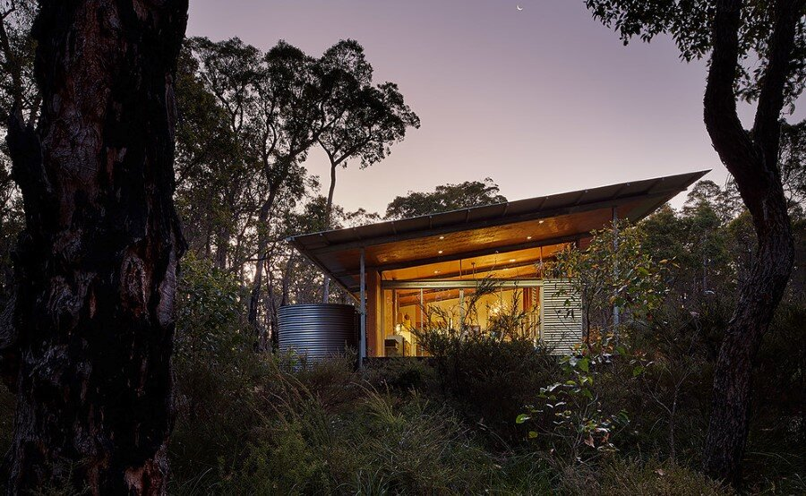 Bush House is Inspired by the Feelings of Camping (22)