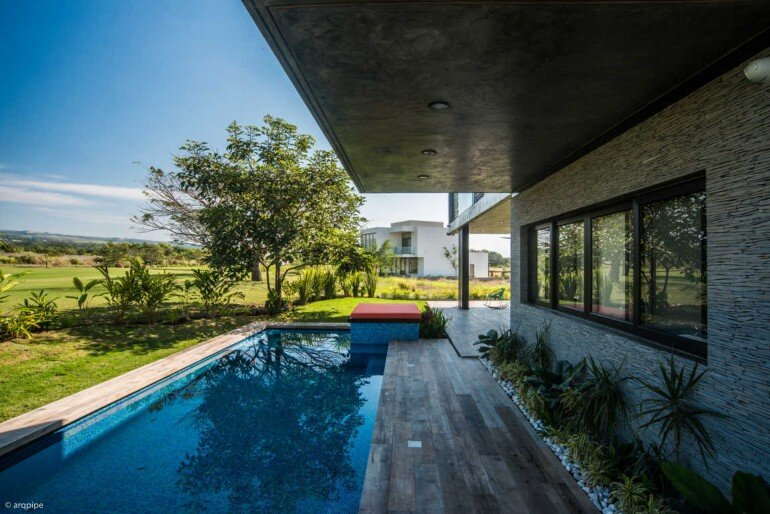 Casa Arbo in Mexico Enjoys Views of a Volcano