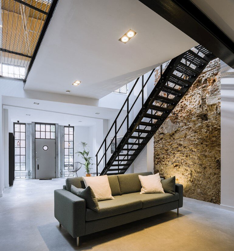 EVA Architecten have transformed an old workshop into a charming apartment (3)