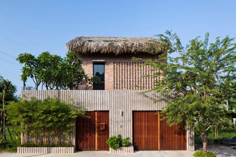Tropical Suburb House – Revisits the Vernacular South East Asian Stilt House Typology