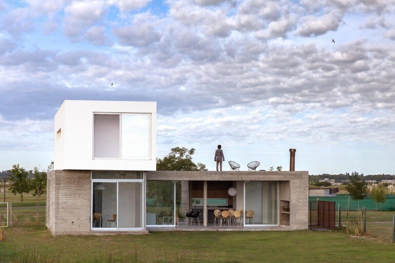 BAM! Arquitectura Has Designed a Flexible House for a Young Single