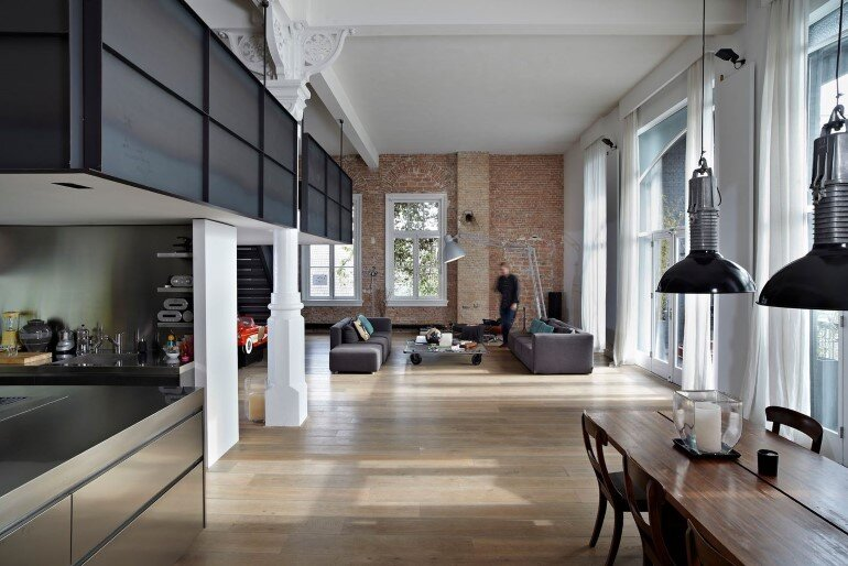 Canal house industrial loft with character in amsterdam for Canal home designs