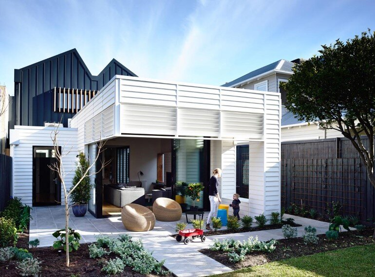 Sandringham House – Double-Fronted Weatherboard Converted into a Cozy Home