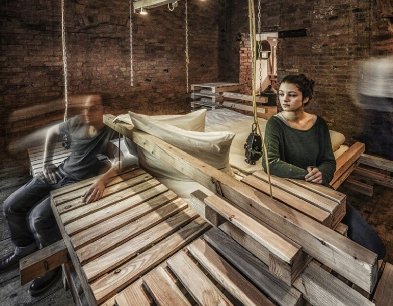 Viennese Guest Room – Raw Feel and Old Industrial Charm