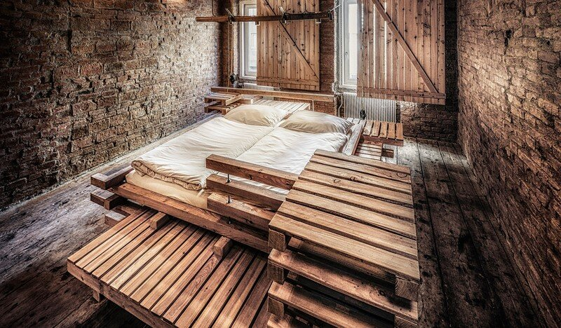 Viennese Guest Room - Raw Feel and Old Industrial Charm (5)