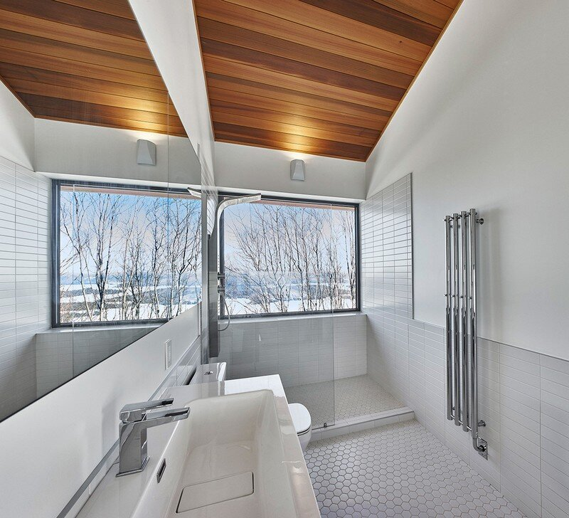 bathroom, Weekend Retreat Located on the Steep Slope of a Former Ski Hill (14)